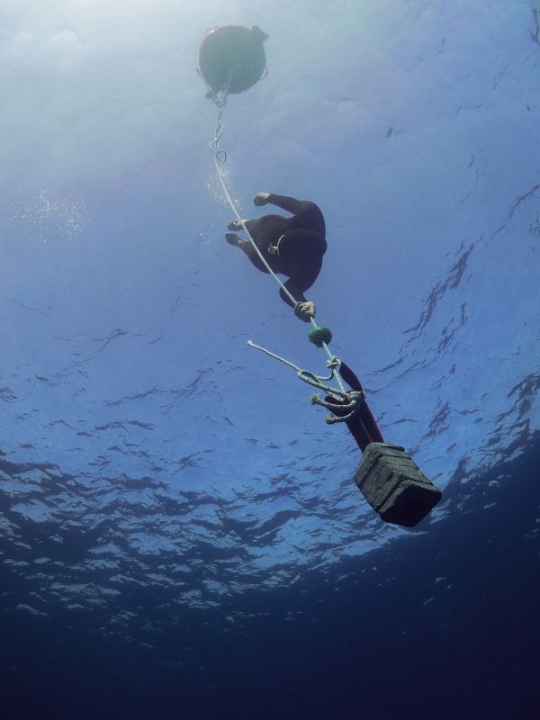 Diver doing variable weight without a proper set up